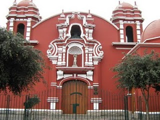 San sebastian church is very beautiful in peru that its structure is very attractive details.